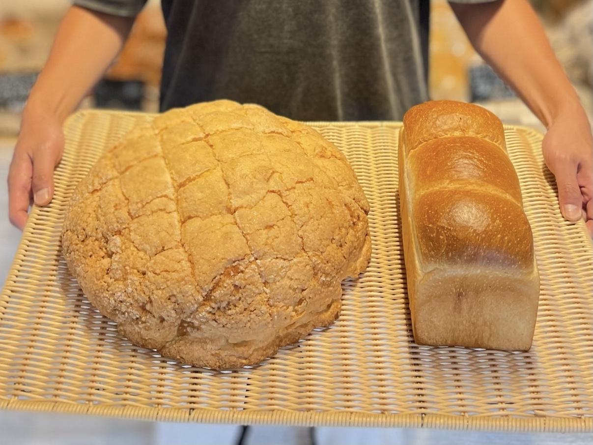 http://ジャンボメロンパン