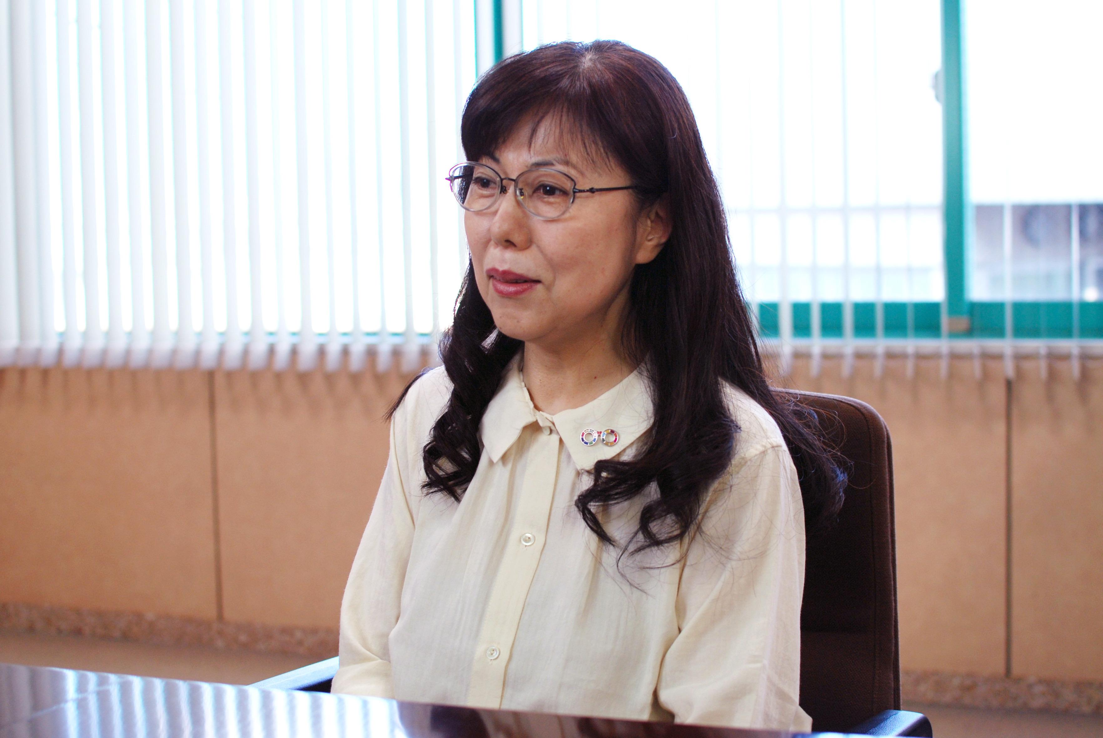 http://日本眼鏡技術者協会%20広報部長%20杉本佳菜子氏